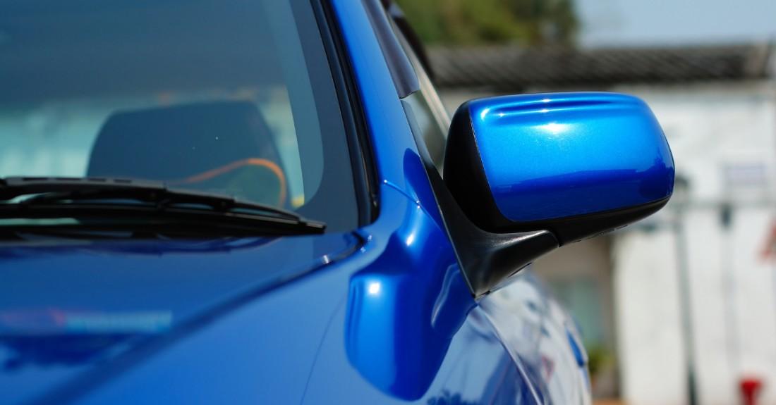 A blue scrap car